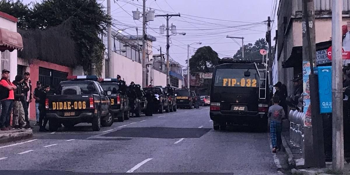"""Fuerte presencia policial frente al correccional Las Gaviotas por """"inspección de rutina"""""""