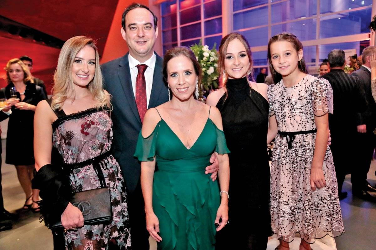 Carolina Roscoe, Flávio Roscoe, Geraldine Nogueira, Mariana Roscoe e Júlia Roscoe Anna Castelo Branco