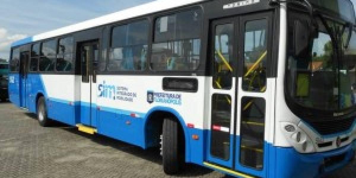 Motoristas de ônibus de Florianópolis entram em greve
