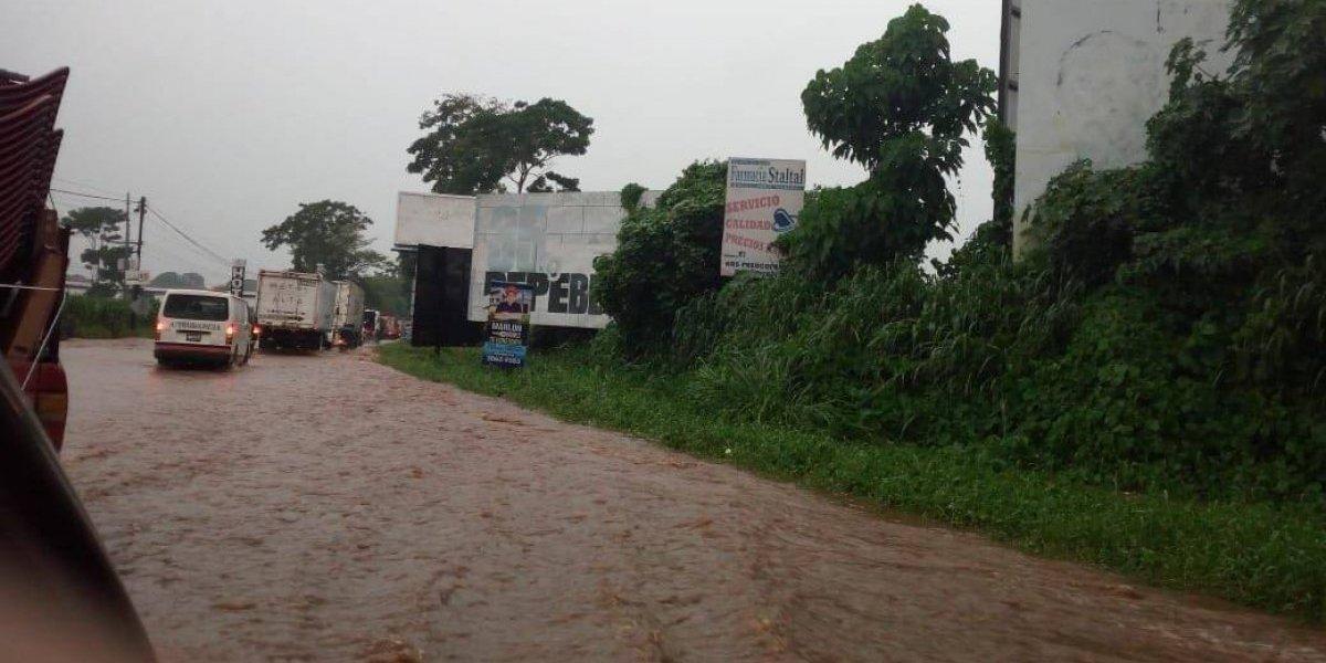 EN IMÁGENES. Río Los Coches se vuelve a desbordar por las fuertes lluvias