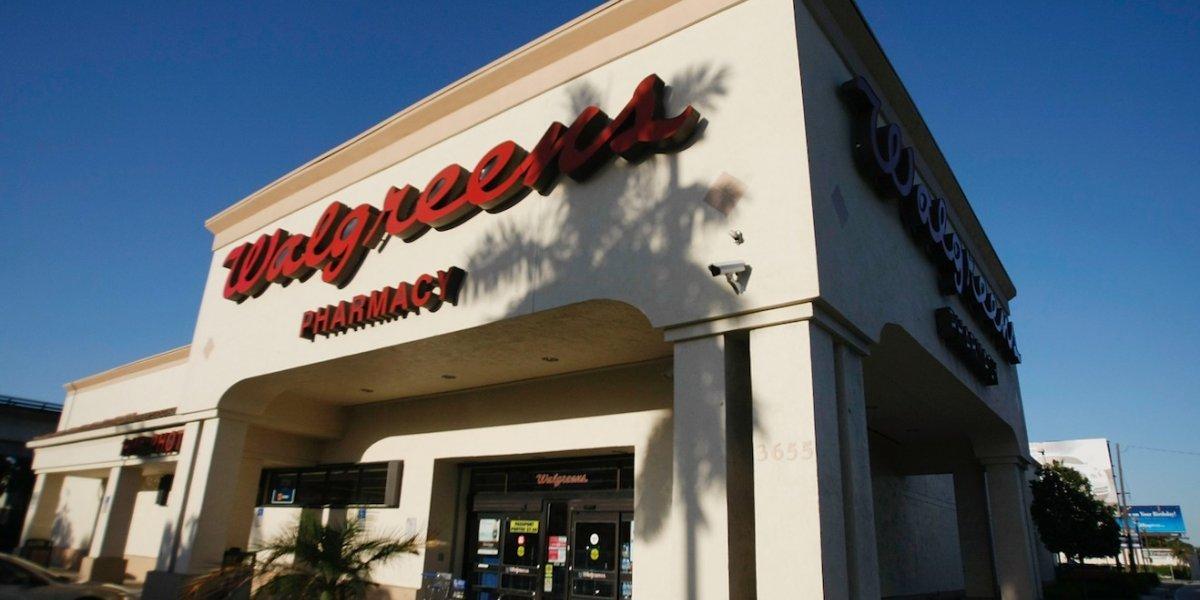 """Walgreens otorga """"bono único"""" a sus empleados"""