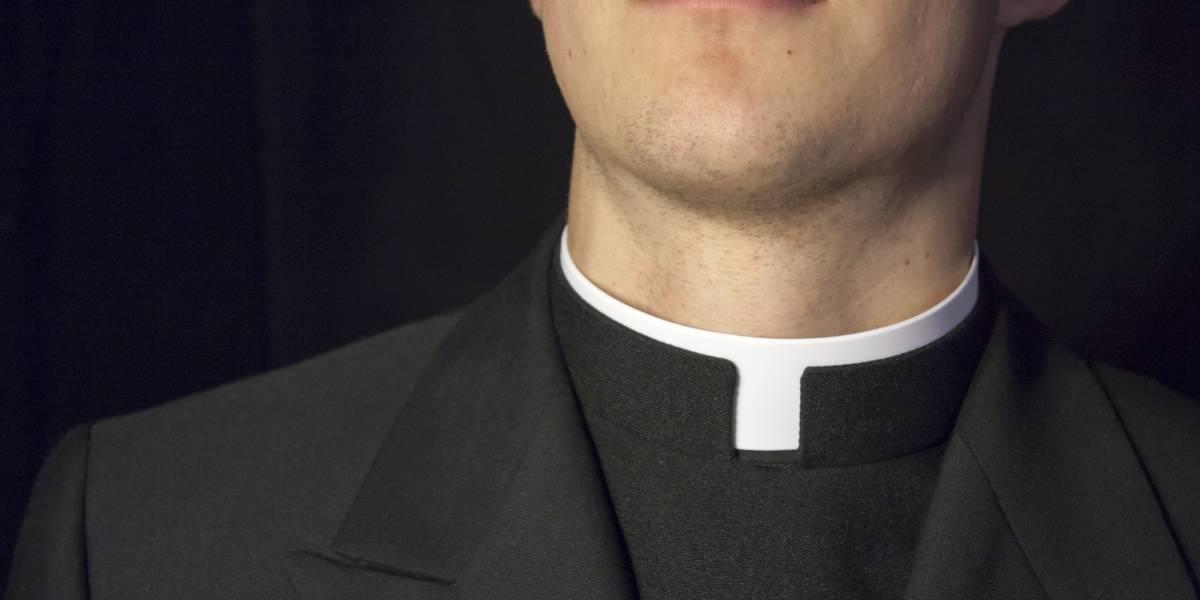 """Parece un mal chiste: El proyecto de ley que le """"recuerda"""" a los sacerdotes que un abuso sexual debe ser denunciado"""