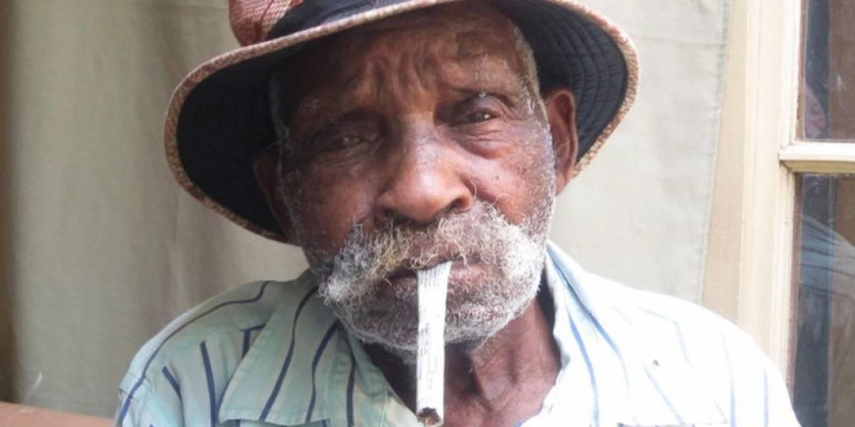 Aos 114 anos, candidato a homem mais velho do mundo quer parar de fumar