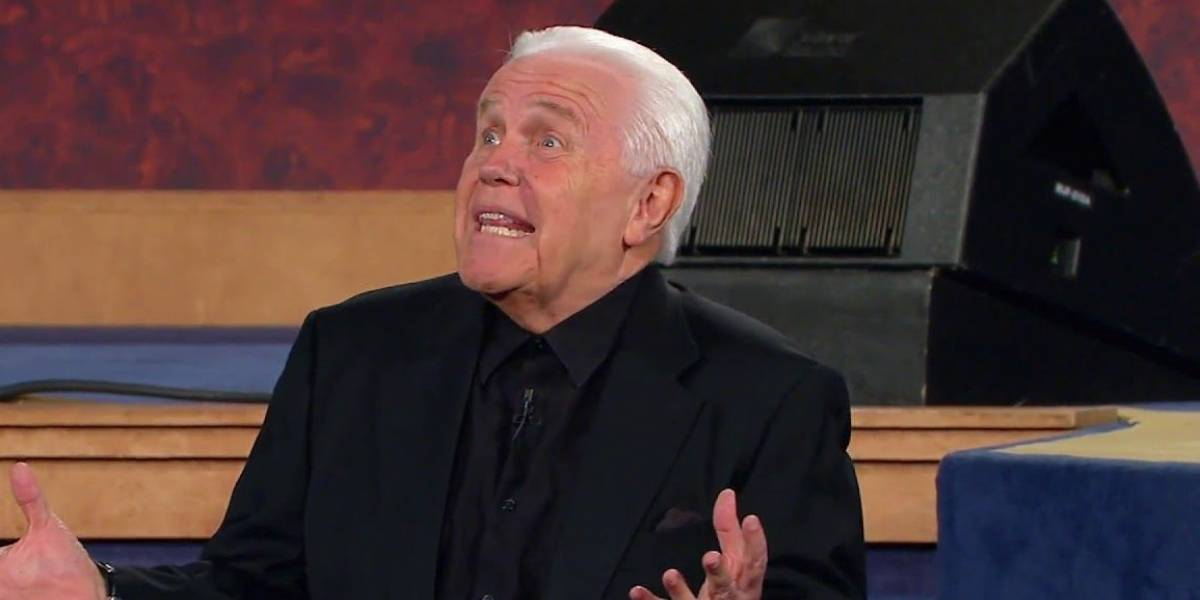 Pastor evangélico pide que le compren un avión Falcon 7X para predicar desde el cielo