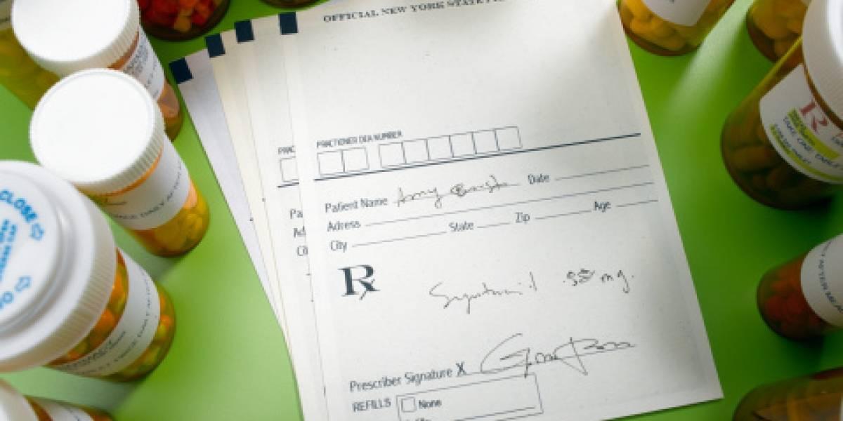 Farmacéuticos crean un grupo en Facebook donde se ayudan a descifrar las recetas de los médicos