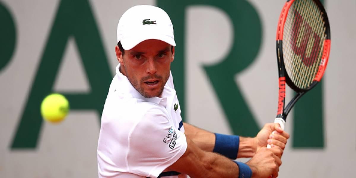El drama y la lucha de Bautista Agut: hace una semana falleció su madre y hoy pasó a tercera ronda de Roland Garros