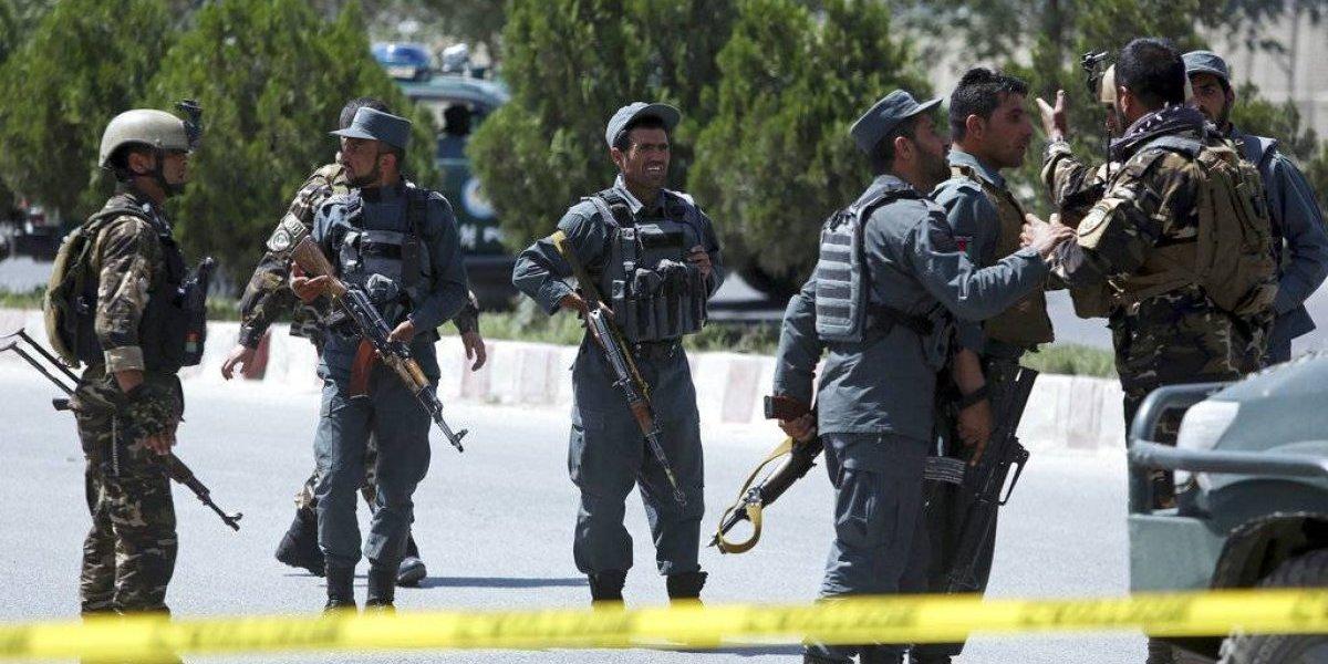 Atentado y tiroteo deja ocho muertos en Afganistán