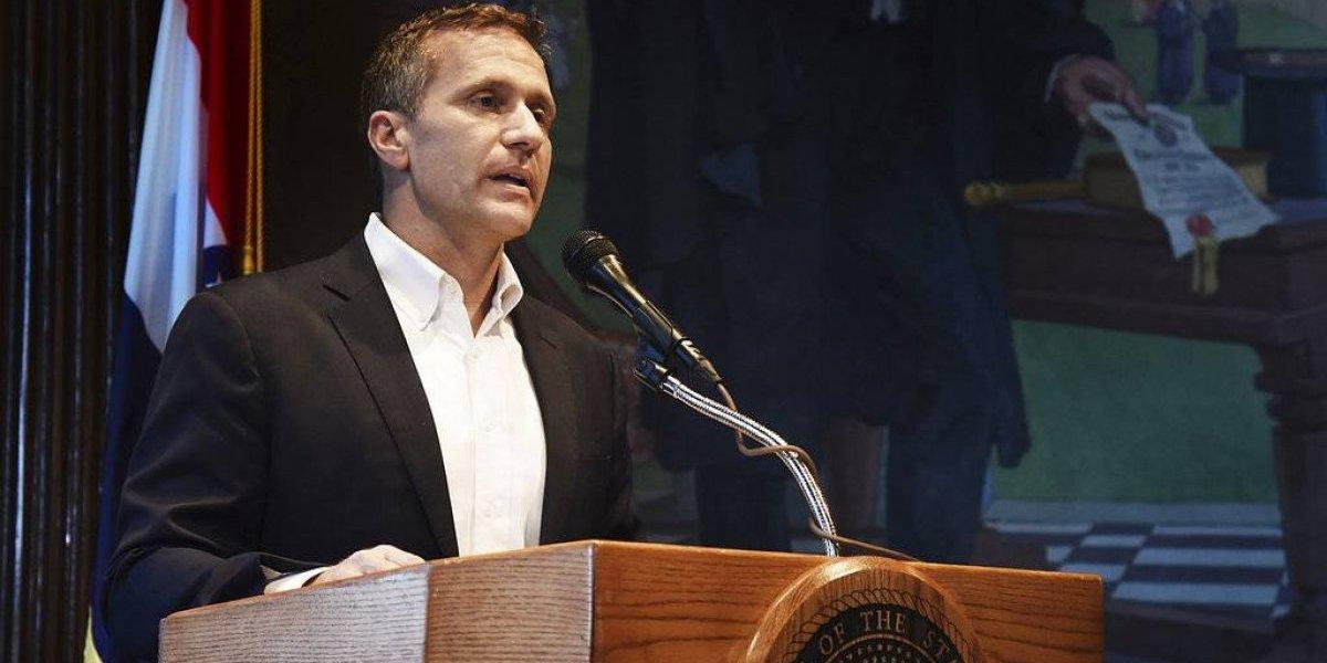 Renuncia el gobernador de Missouri