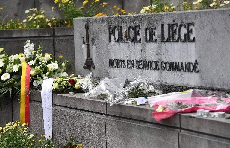 Recuerdan a policías asesinadas en Bélgica