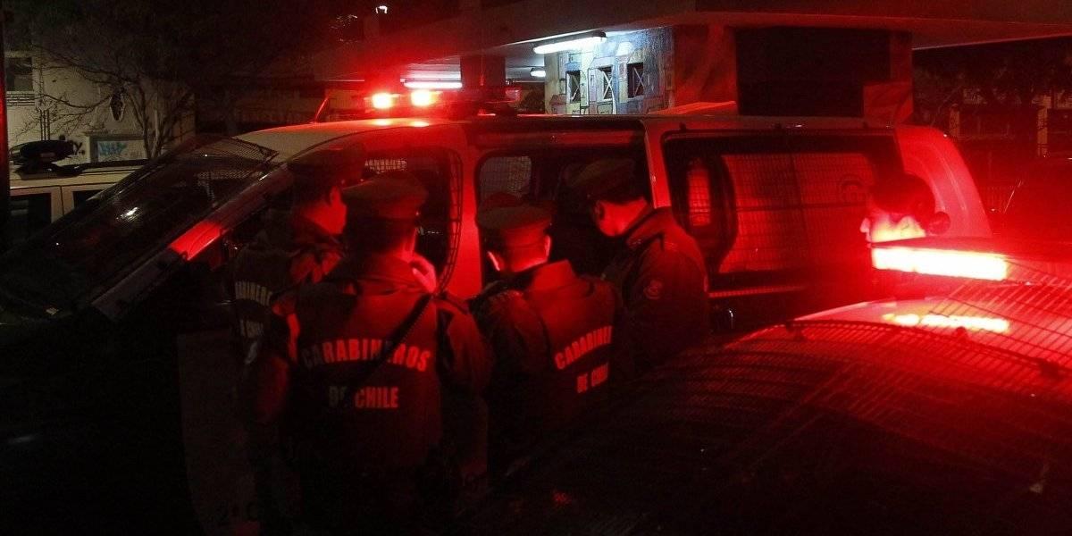 Investigan quema de tres vehículos en distintos puntos de la zona oriente de Santiago