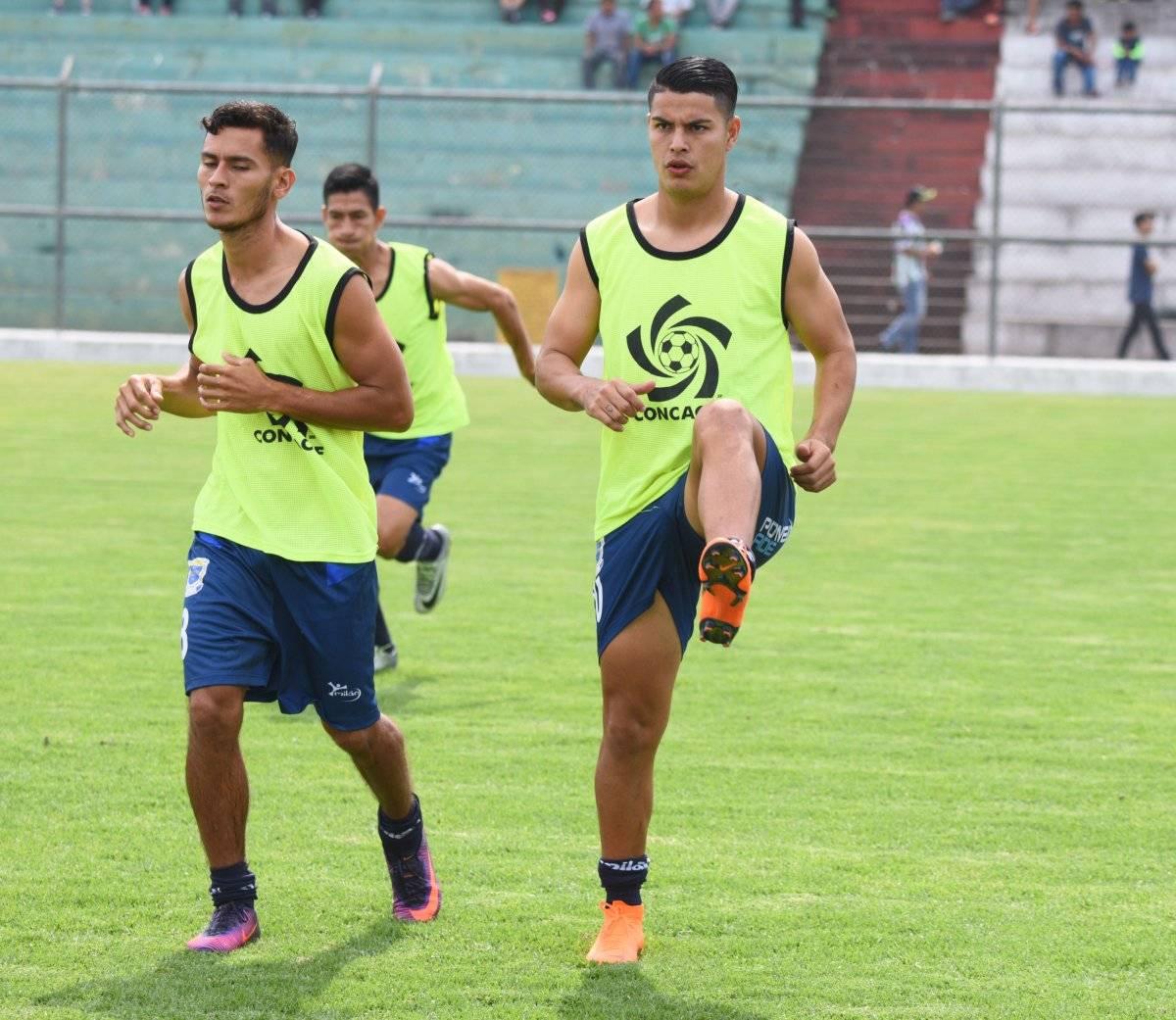 Santamaría jugó para Suchitepéquez y Municipal en Guatemala.