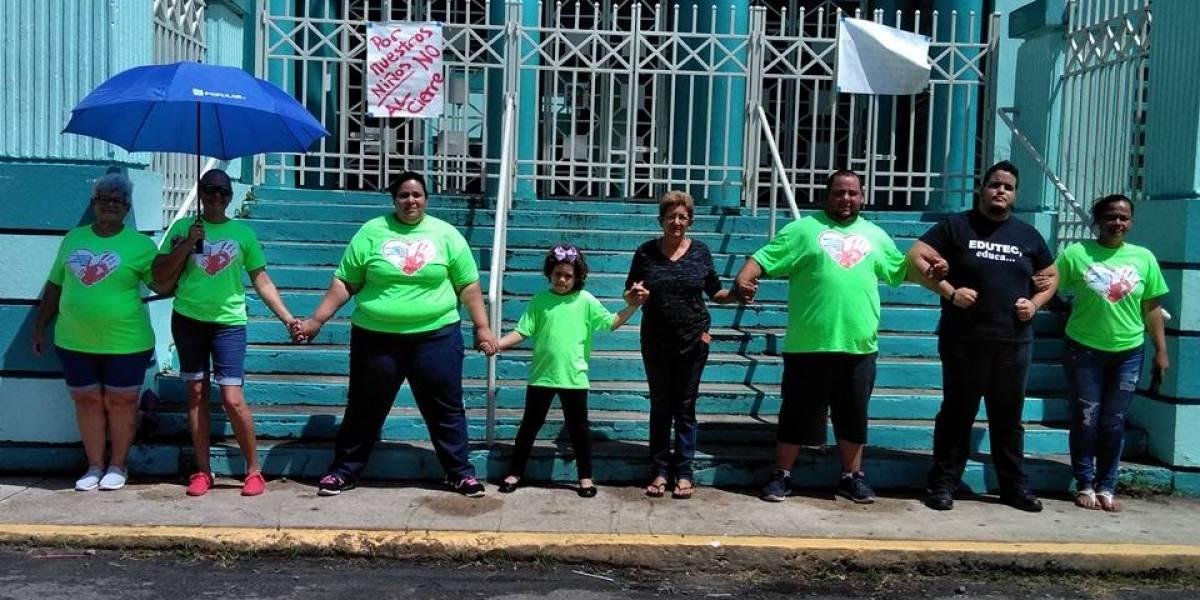 Acusan de discriminación ante inminente cierre de única escuela rural de Bayamón