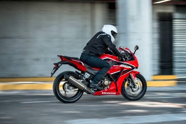 270540a1c41 Honda lanza su nueva CBR 300R, mezcla de deportividad y urbanidad ...