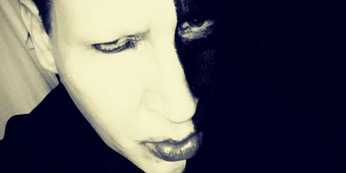 Marilyn Manson se transforma en charro negro