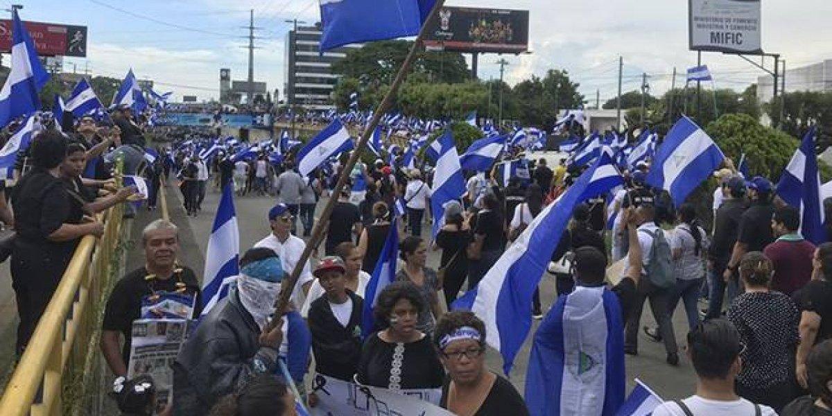 """VIDEO. """"Madres de Abril"""" realizan histórica marcha en Nicaragua pidiendo justicia"""