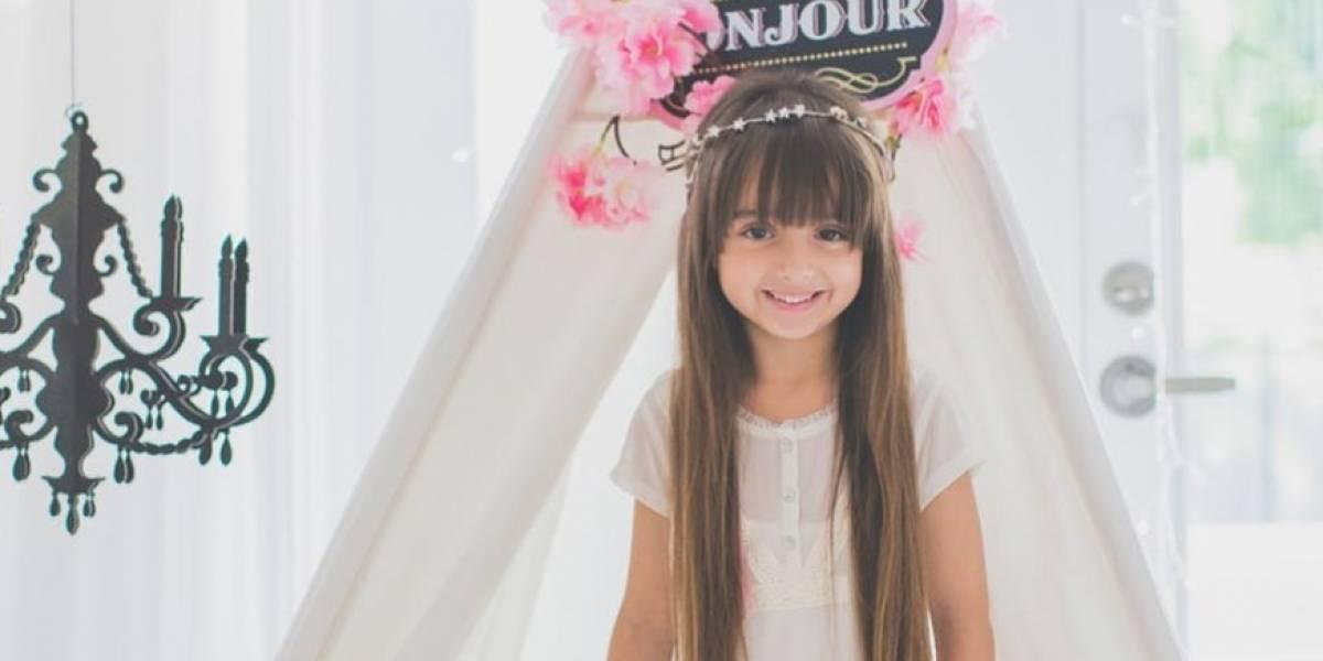 Hija de Luis Fonsi dona su cabello