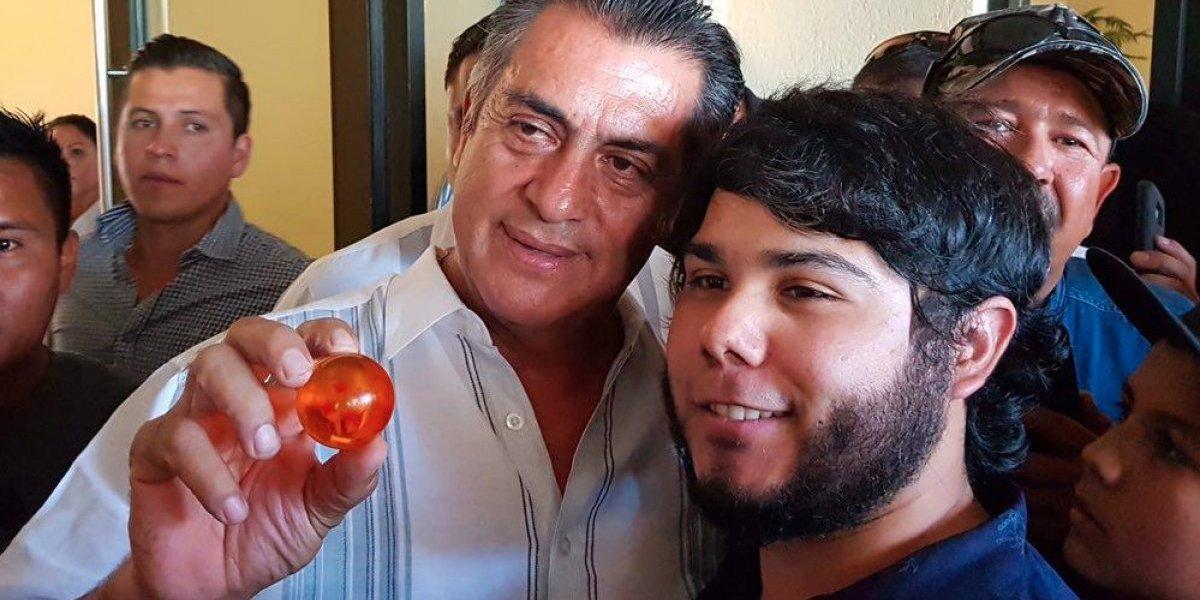 El Bronco quiere reunir las esferas del dragón para resucitar a México