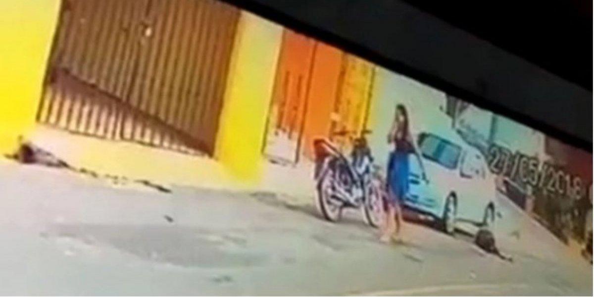 Mulher mata marido PM em porta de motel; câmeras de segurança gravam o momento do crime