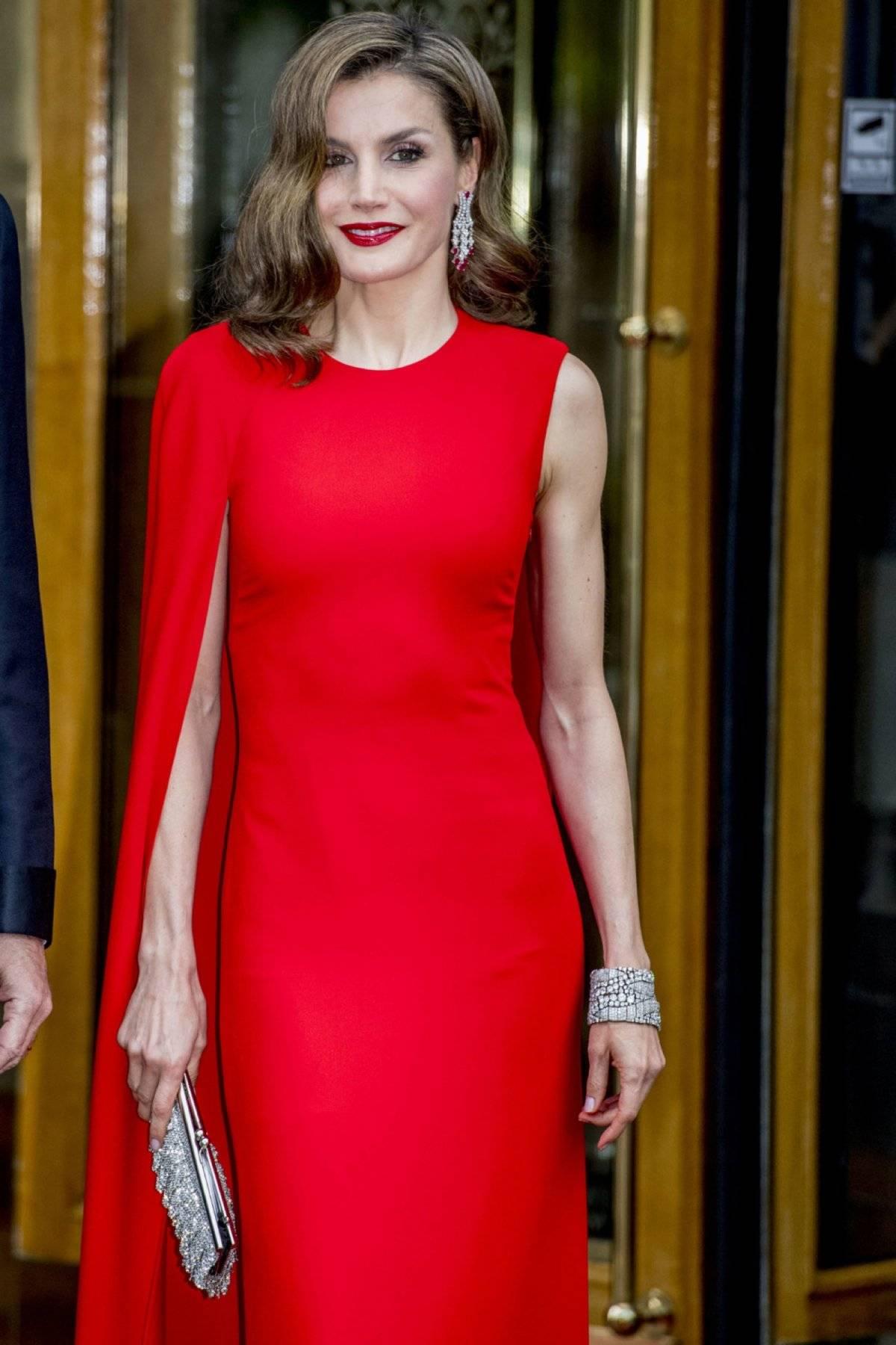 Reina Letizia rojo