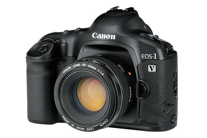Canon acaba de descontinuar la producción de su última cámara análoga