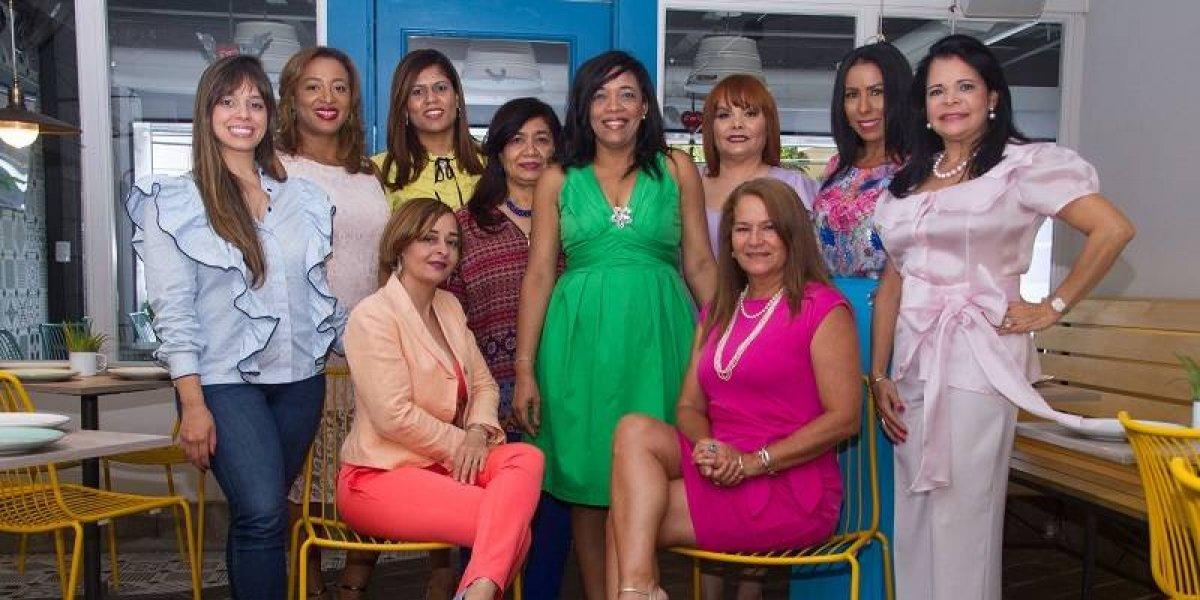 Iris Gala Santo Domingo reconoce el trabajo de los vestuaristas del país