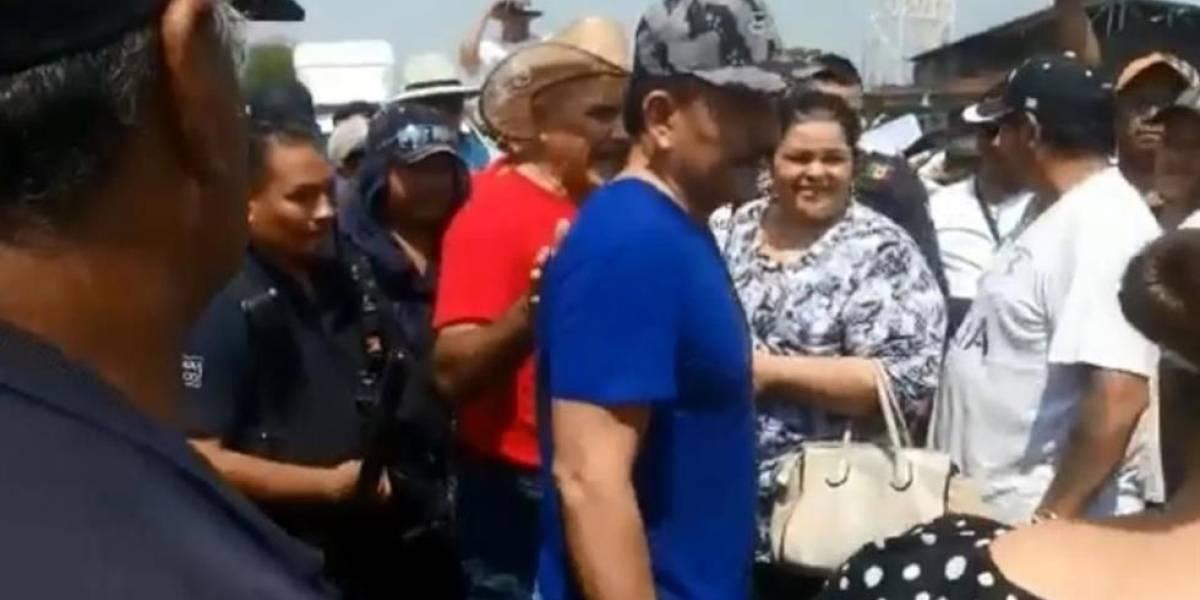 """Juez libera al """"Abuelo"""" y en su pueblo lo reciben con mariachi"""