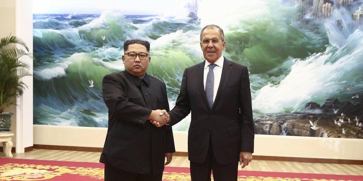 Kim Jong-un se reúne con canciller de Rusia en Corea del Norte