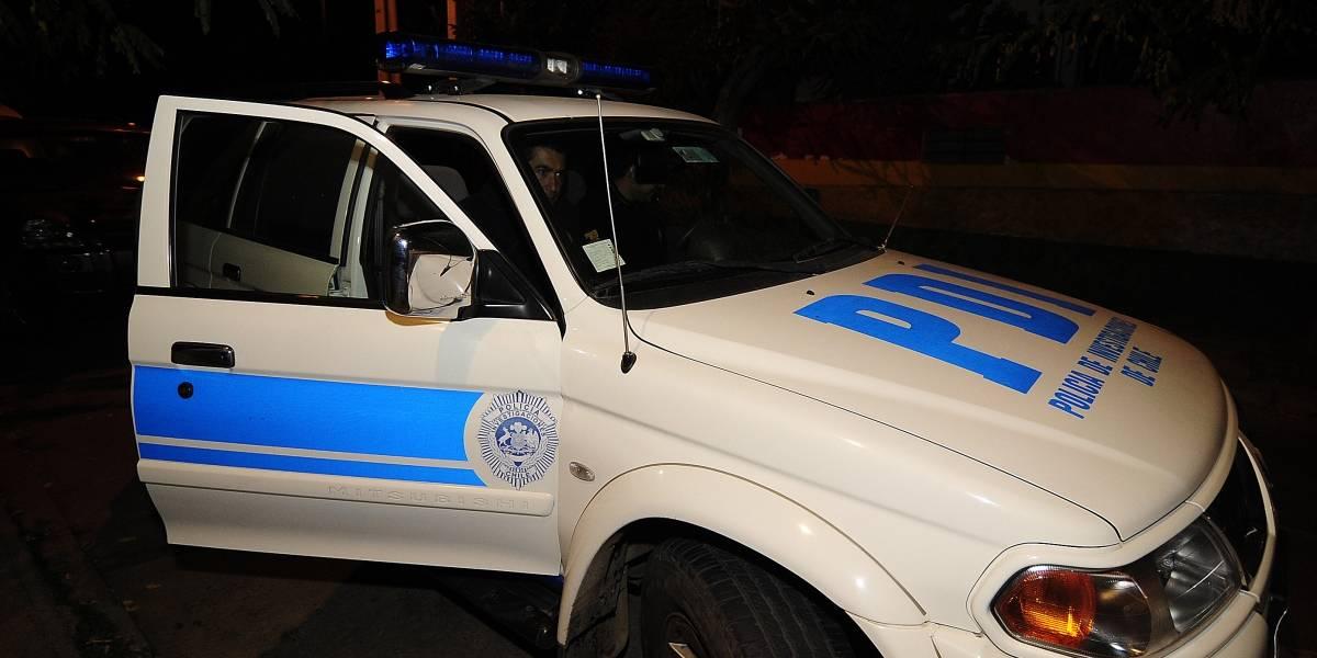 Dos delincuentes con riesgo vital tras ser baleados por el detective que asaltaban en pleno Santiago Centro