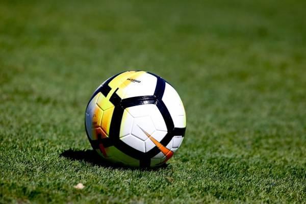 Los clubes chileno tendrán un duro panorama para conseguir refuerzos durante el receso mundialista / Foto: Agencia UNO