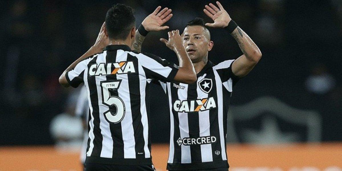 Leonardo Valencia se ganó la confianza del entrenador y fue titular en empate de Botafogo