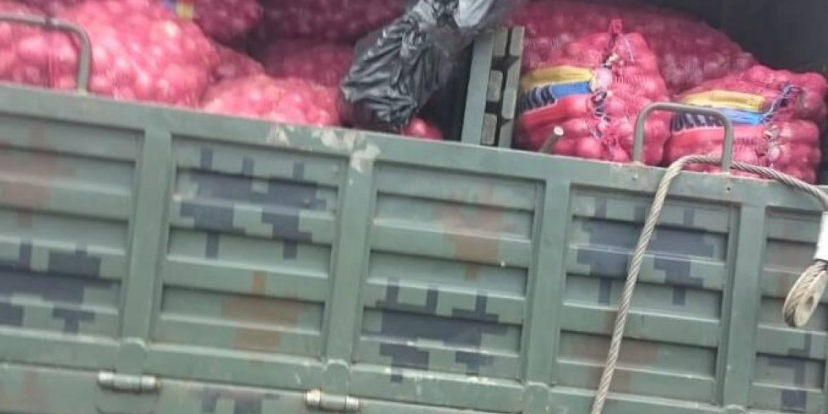 Decomisan cigarrillos y sacos de cebolla en fronteras con Colombia y Perú