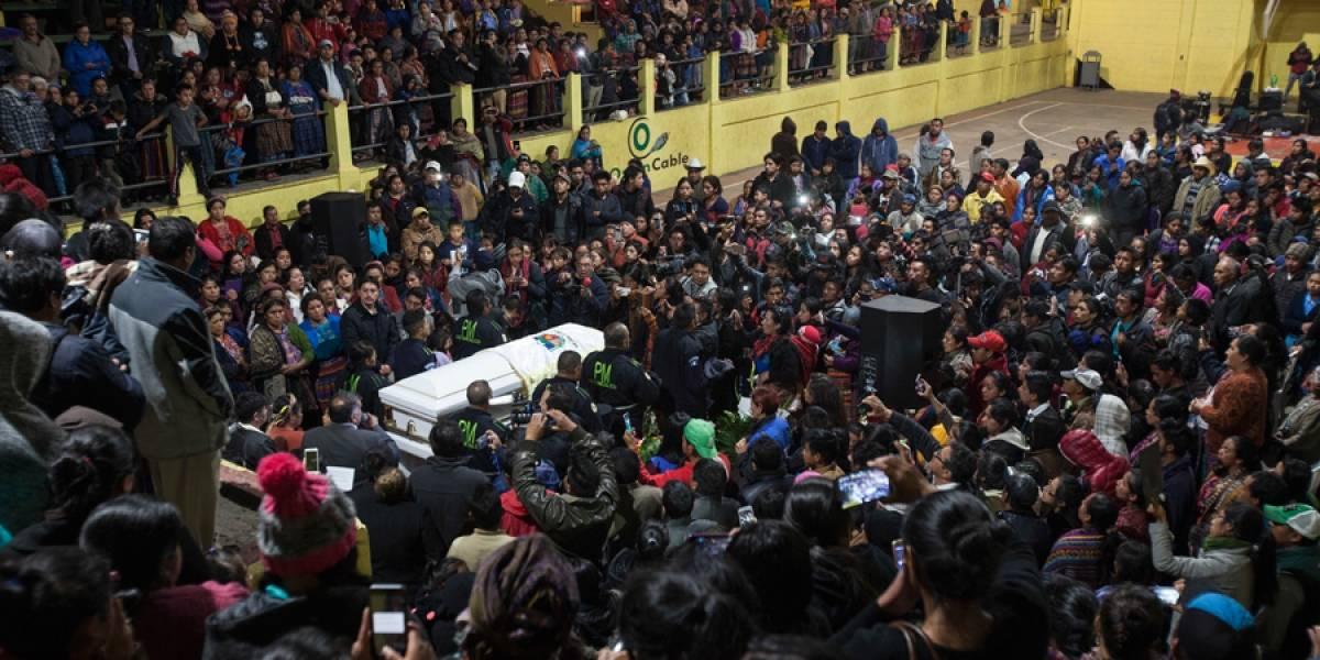 EN IMÁGENES. Multitudinario recibimiento de los restos mortales de migrante que murió baleada en EE. UU.