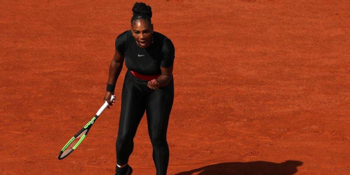 """""""Súper"""" Serena Williams remontó para seguir avanzando en Roland Garros"""
