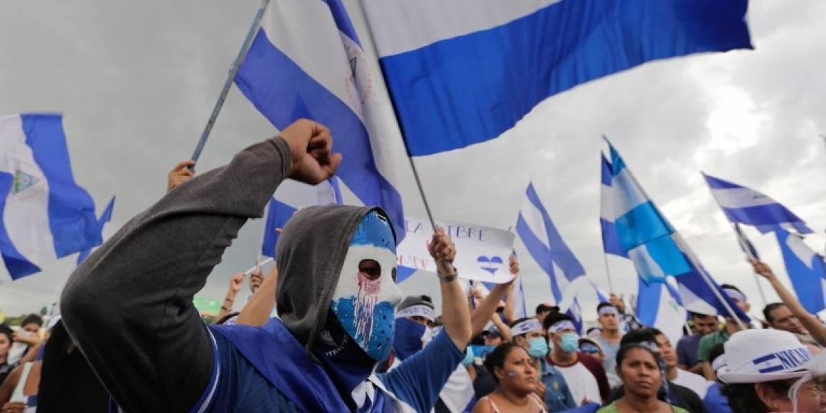 Presidente de Nicaragua afirma que se mantendrá en el poder pese a manifestaciones