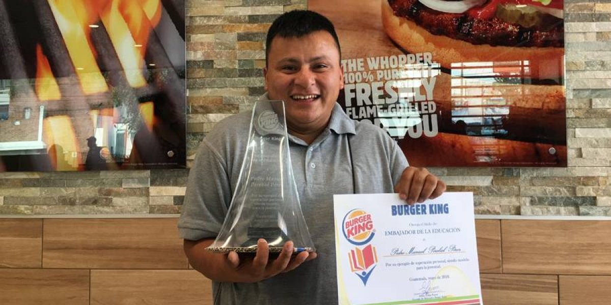 Nombran al políglota Pedro Perebal como Embajador de la Educación de Burger King