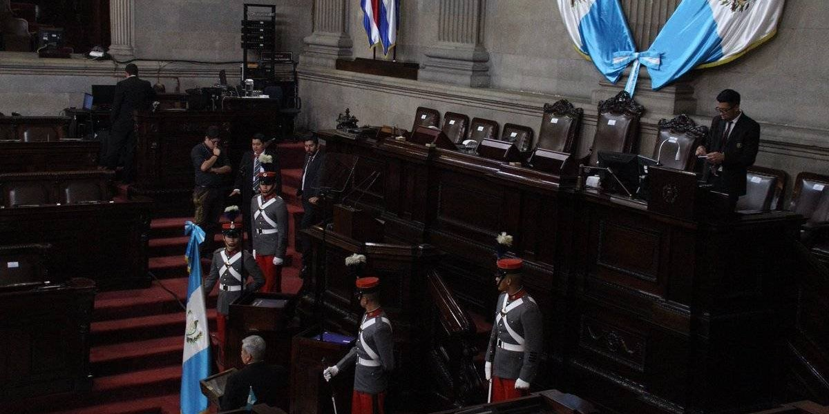 Conmemoran el XXXIII aniversario de promulgación de la Constitución