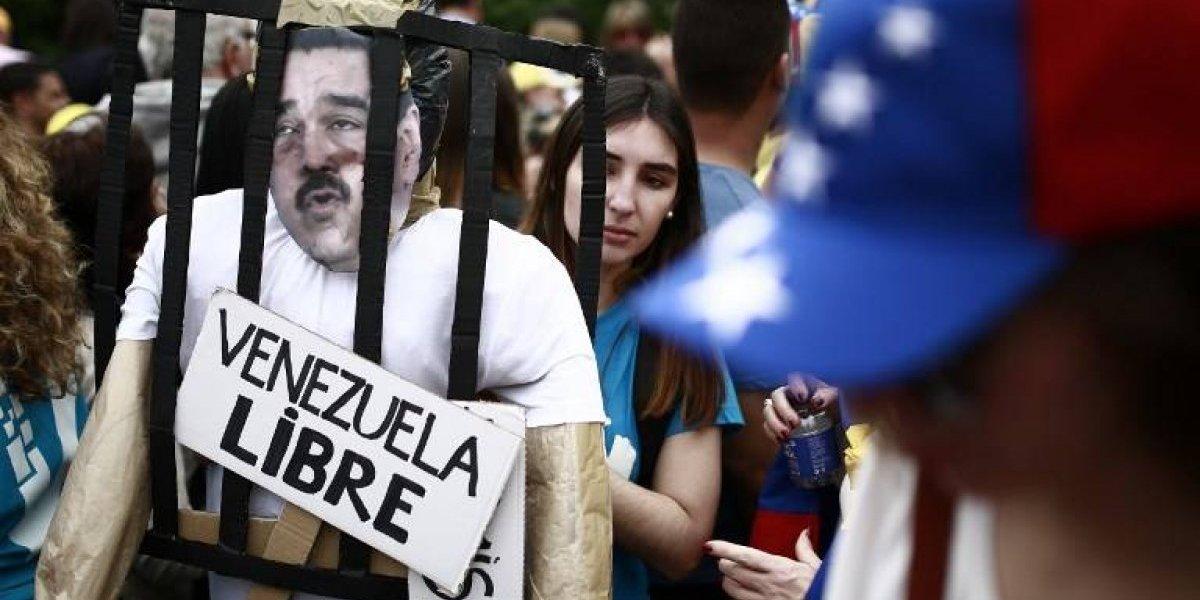 EE. UU. pide evitar viajar a Venezuela