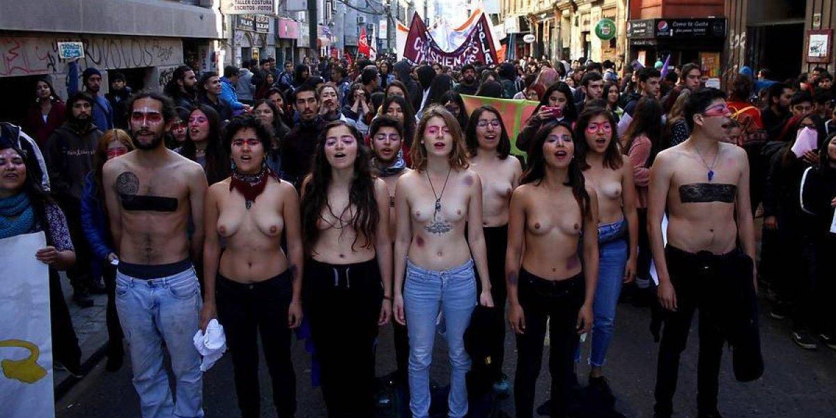 Cuenta pública: imágenes de la marcha feminista en Valparaíso