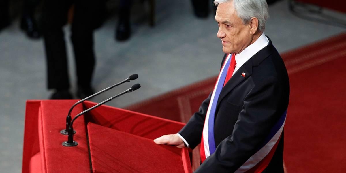 """""""Se demoró 10 minutos en pulverizar a Bachelet"""": revuelo tuitero tras duras críticas de Piñera a ex presidenta en cuenta pública"""