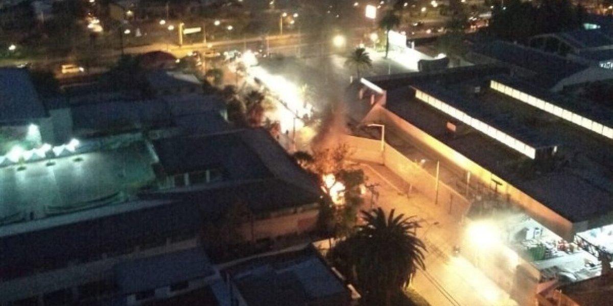 Santiago: se reportan barricadas en distintos sectores de la capital en horas previas a la cuenta pública de Sebastián Piñera