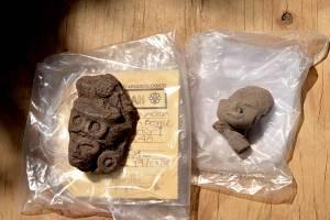 Figurillas y restos de cerámica, se ha fechado para el periodo Preclásico (1500 a.C. a 300 d.C.).
