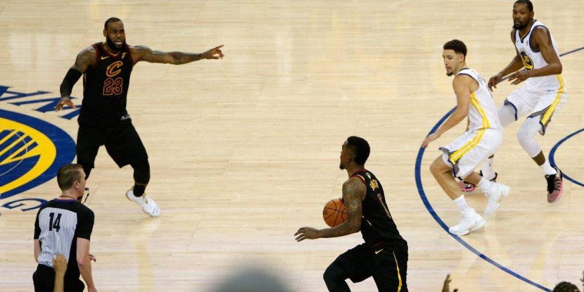 Y no es primera vez: JR Smith fue blanco de todas las burlas tras su increíble error en la final de la NBA