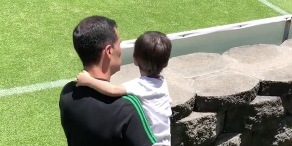 VIDEO: Rafael Márquez tiene emotivo entrenamiento con su hijo