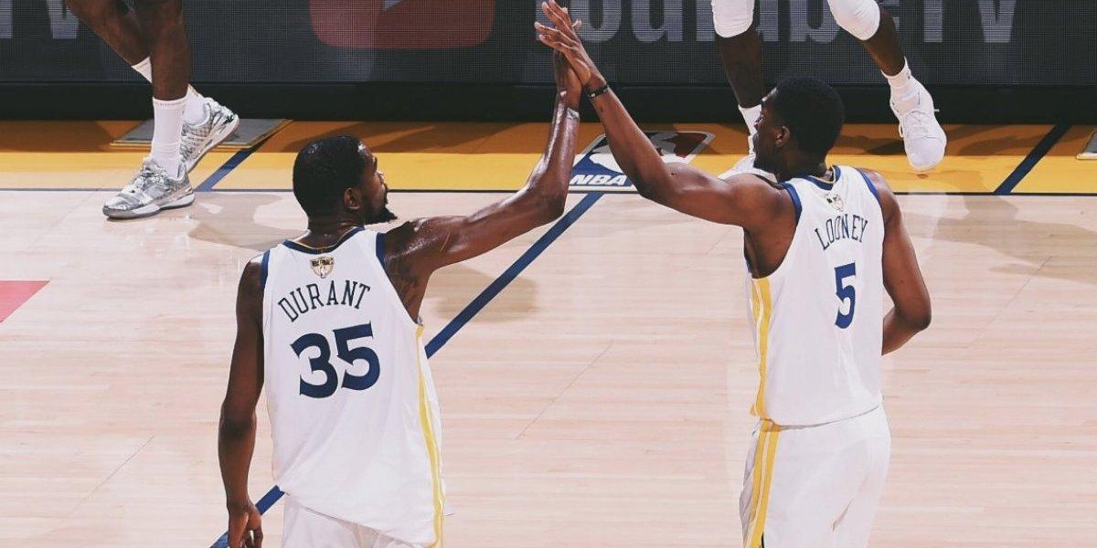 Warriors obtiene agónico triunfo sobre Cavaliers en finales de la NBA