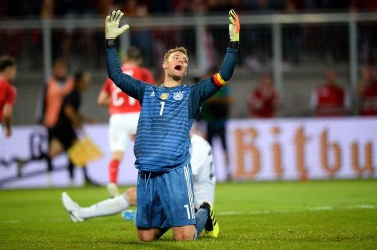 Manuel Neuer volvió a jugar con Alemania