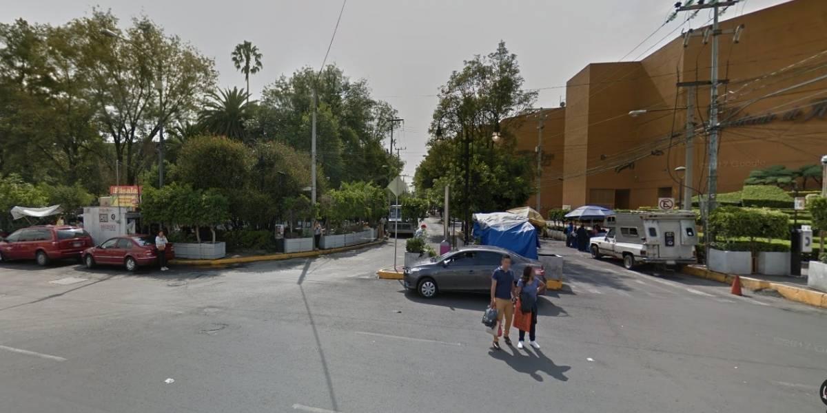 Balacera afuera de plaza comercial en Coyoacán deja al menos un muerto