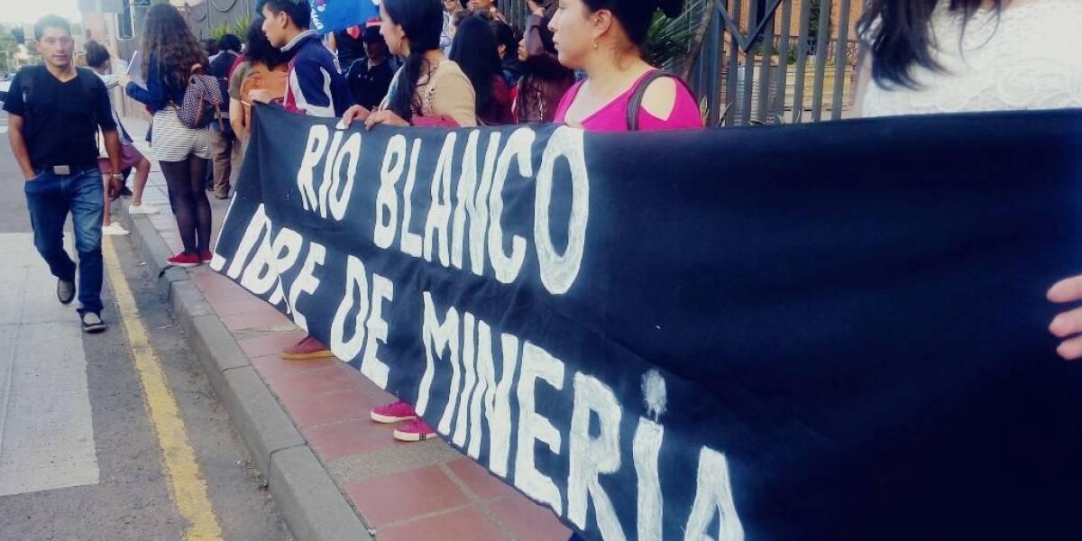Juez suspende la explotación minera en Río Blanco