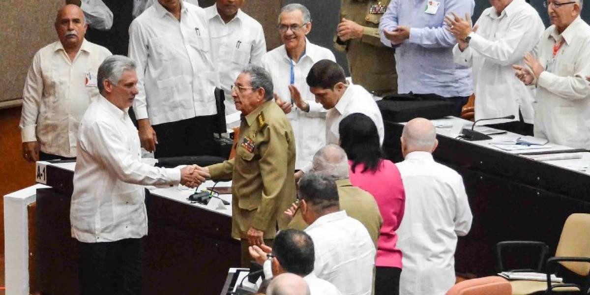 Parlamento cubano evalúa a 33 encargados de iniciar reforma constitucional