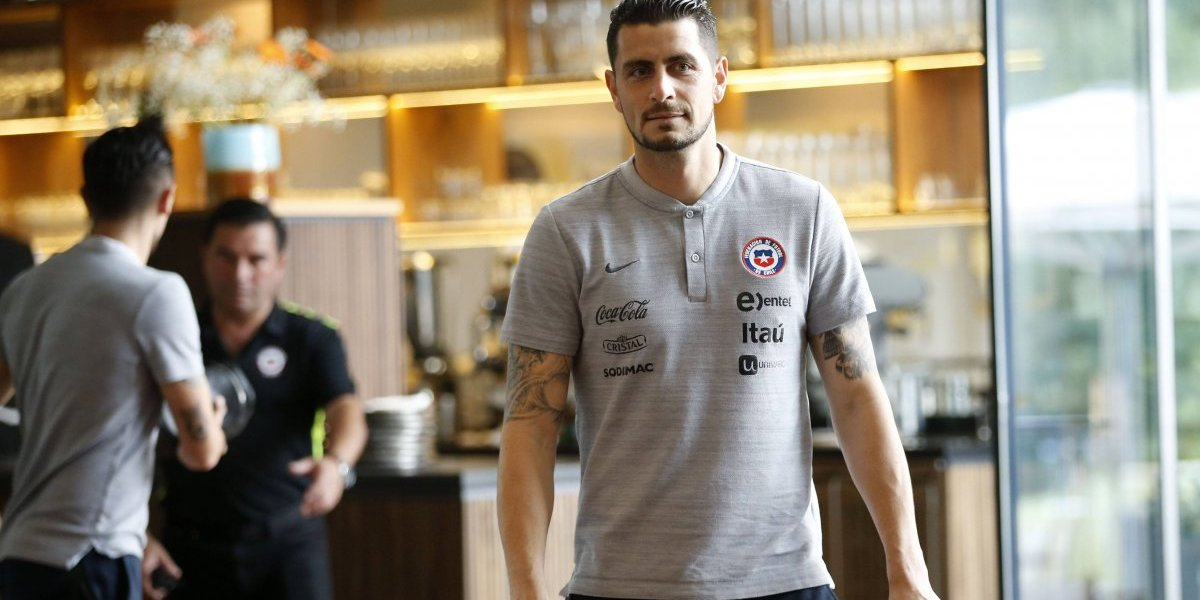 """Gabriel Arias elogia a sus antecesores en la Roja: """"La vara es muy alta por lo que hicieron Bravo y Herrera"""""""