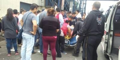 Seis mujeres fueron atropelladas por el conductor de un picop en Palín, Escuintla.